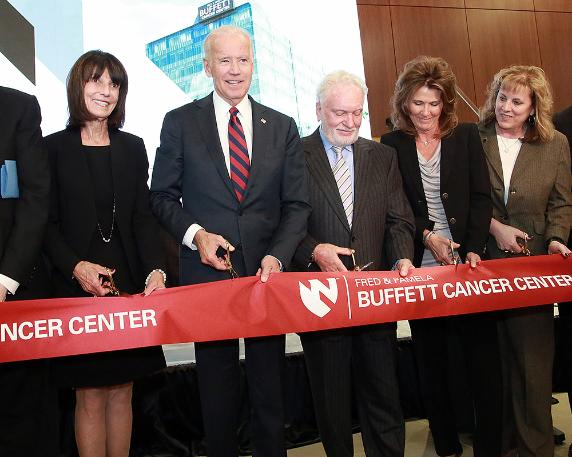 Photo of Joe Biden at the Buffett Cancer Center in Omaha